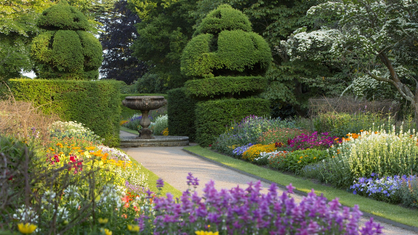 famous gardens to visit national trust