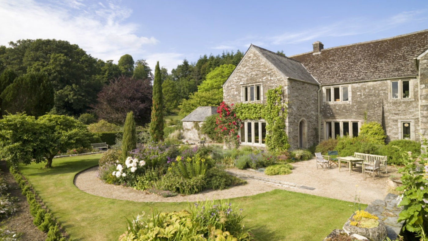 find a bed and breakfast national trust