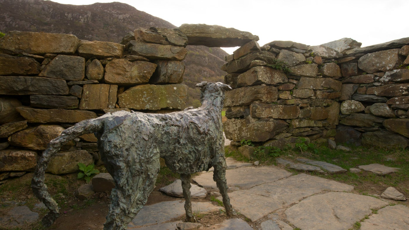 Gelert's stone monument at Beddgelert