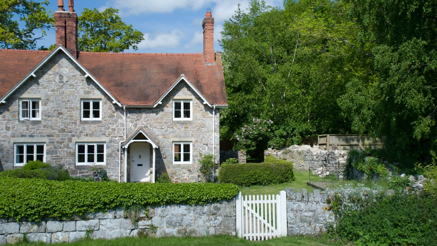 Explore the estate from home farm cottage national trust for Castle and cottage home collection