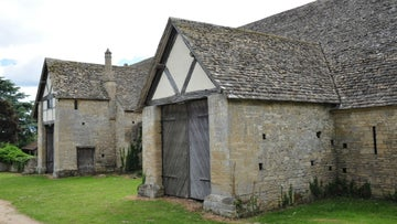 Entrance to Bredon barn