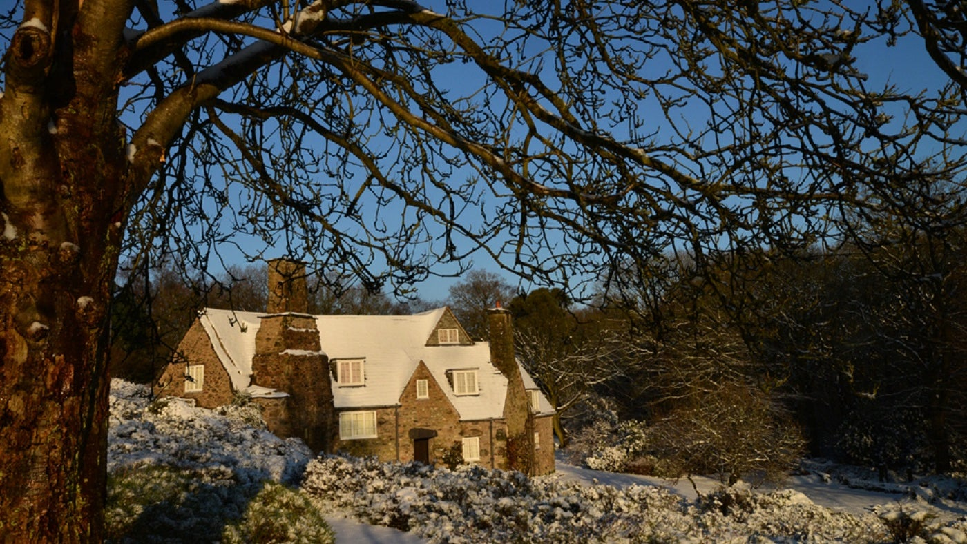 The cottage at Stoneywell in snow