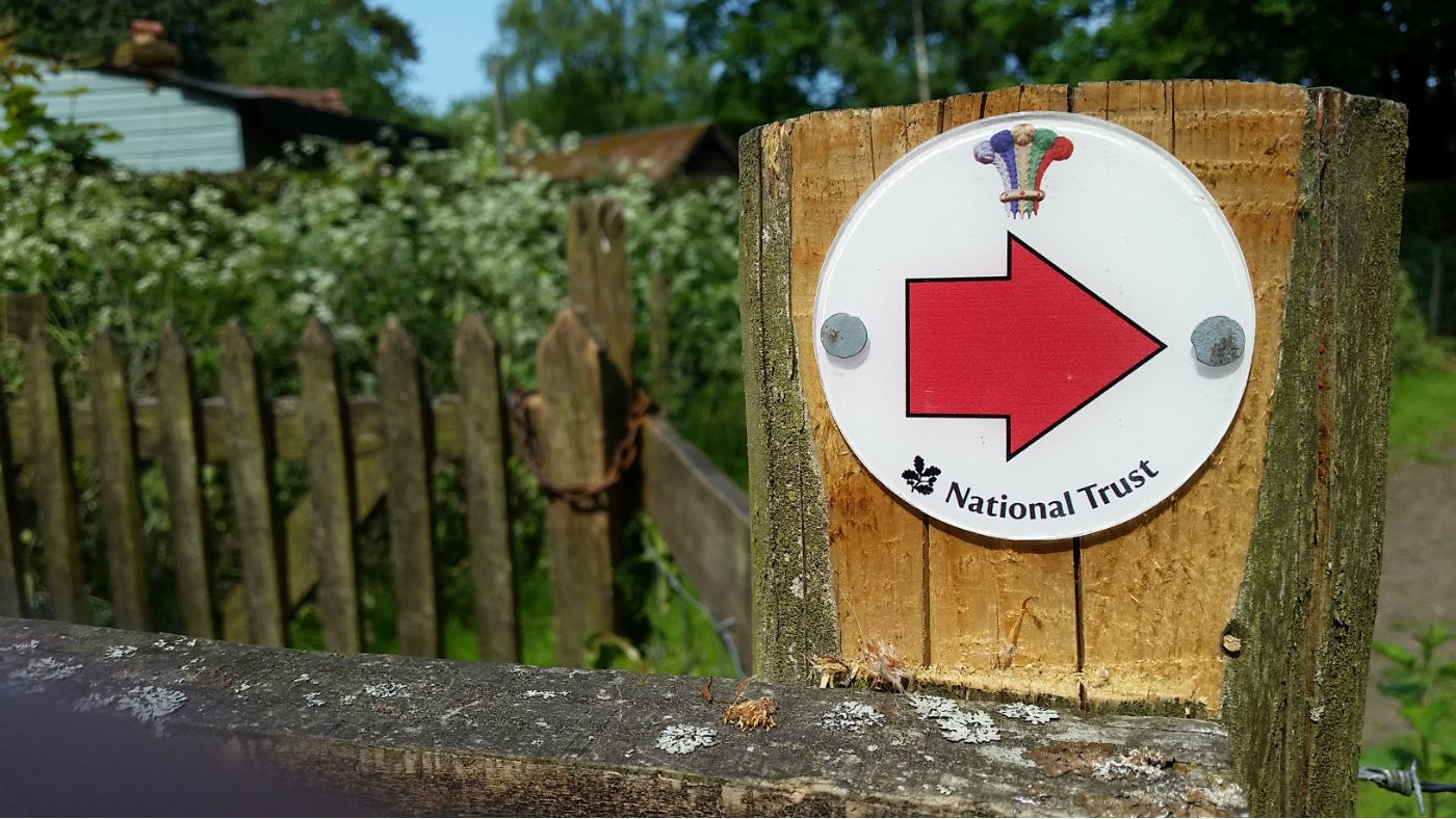 Follow the red way markers for the Stewkeley walk