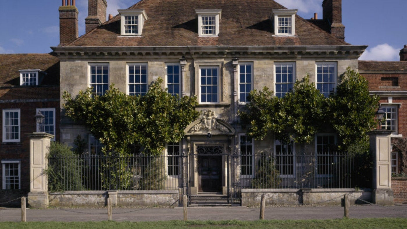 The front facade of Mompesson House, Salisbury