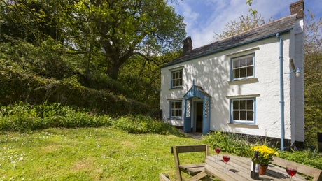 The stunning exterior of Combe Cottage, Clovelly, Devon
