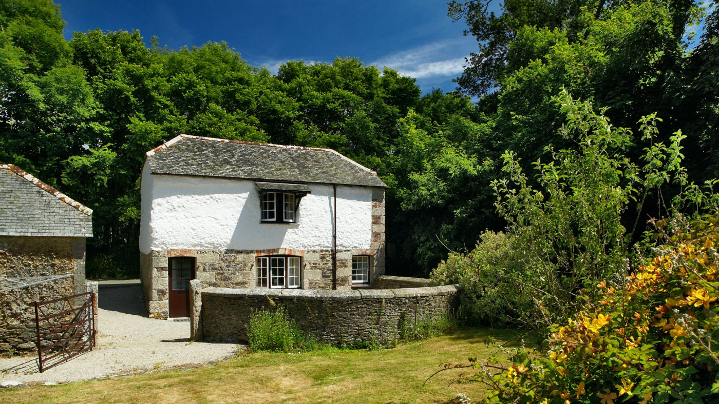 The exterior of Glebe Cottage, Mawnan Smith, Falmouth, Cornwall