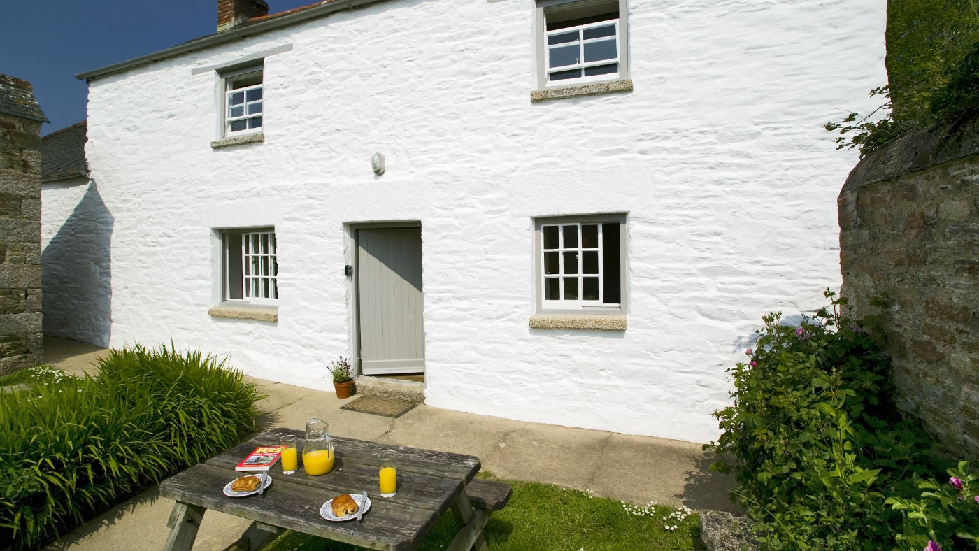 The exterior of Lower Pentire Farm House, Helston, Cornwall