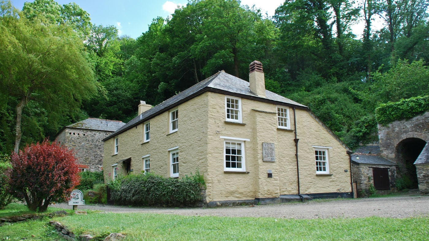 The exterior of Mohun and The Farm House, Pont Pill, Cornwall