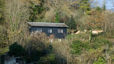 The exterior of Penarvon Cabin, Helford, Cornwall