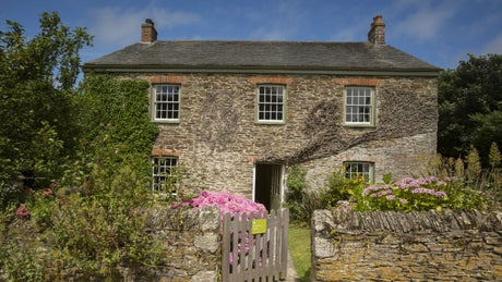 The exterior of Towan Cottage and Porth Farm House, Roseland, Cornwall