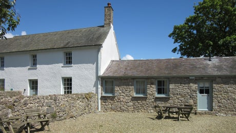 The exterior of Dairy Cottage, Pembroke, Pembrokeshire