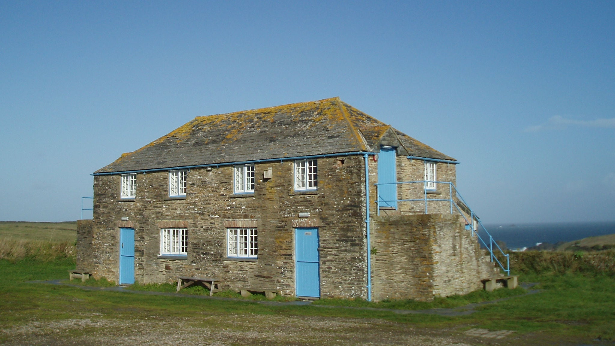 Exterior of Beach Head Bunkhouse, Wadebridge, Cornwall