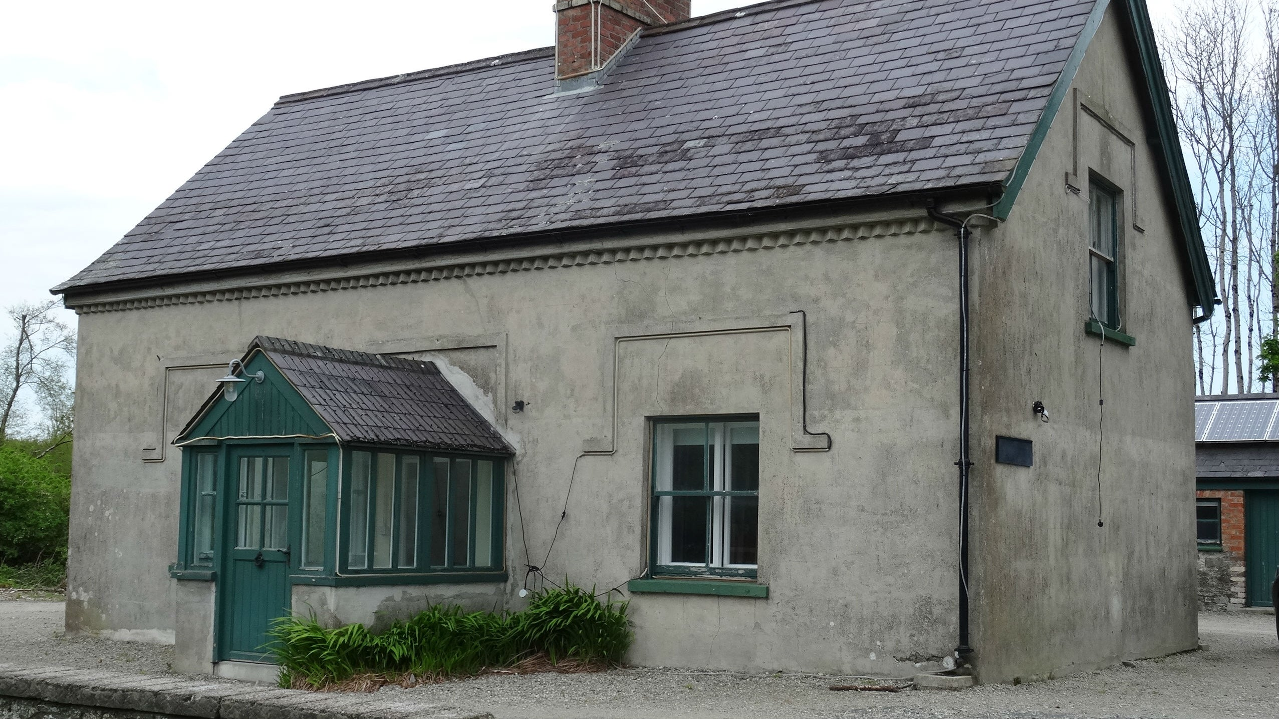 The exterior of Castle Ward Bunkhouse, Strangford, Northern Ireland