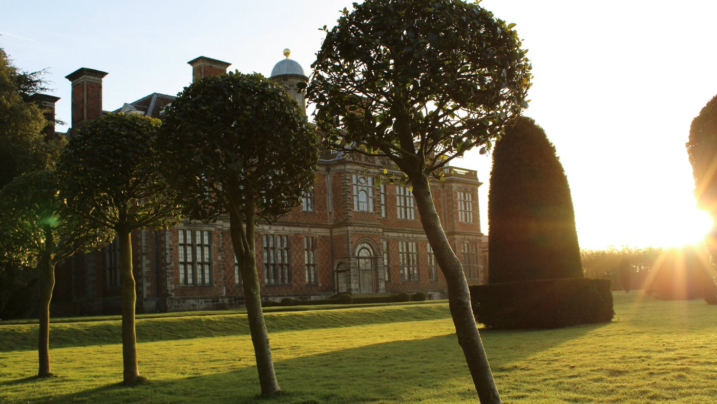 an early morning sunburst at Sudbury Hall