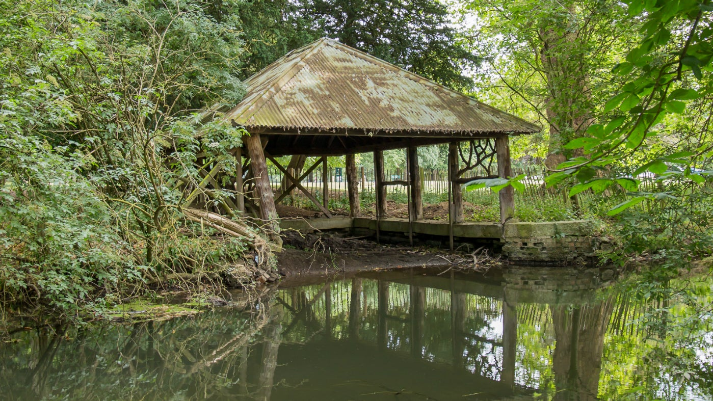 Belton's boathouse in need of repair