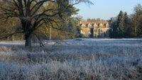 Frosty scene at Anglesey Abbey