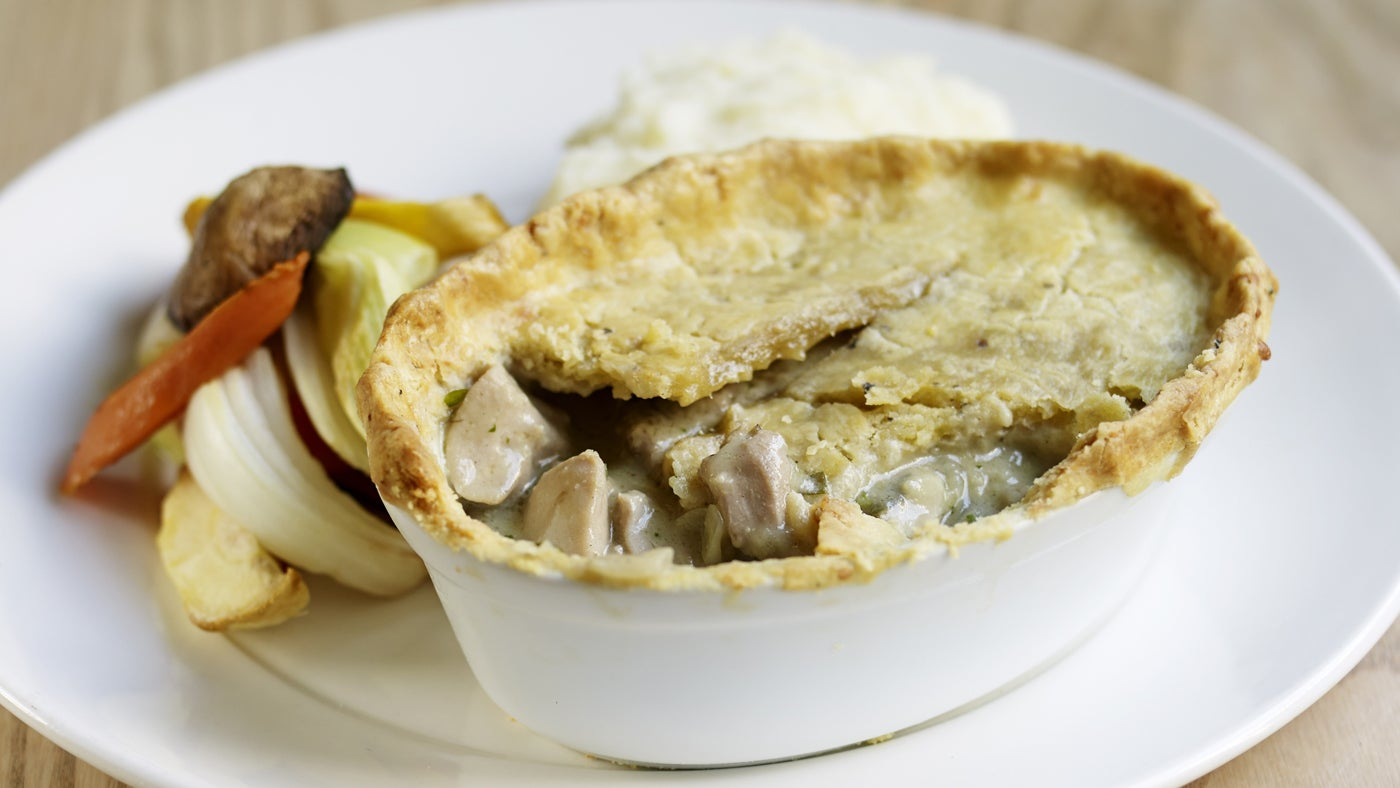Chicken and mushroom pie | National Trust