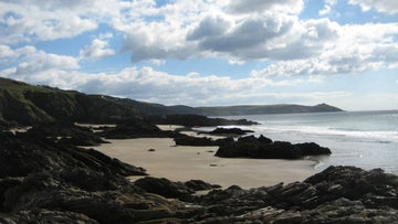 Looking at the footpaths along Whitsand Bay, Cornwall
